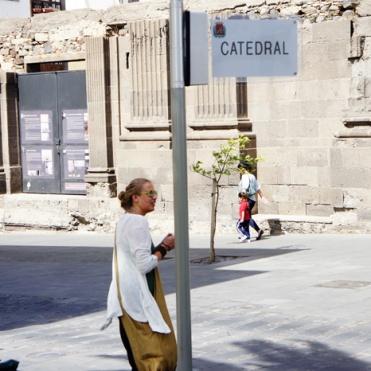 Las Palmas: Stans mest onödiga skylt, 2 meter från en >20meter hög byggnad...